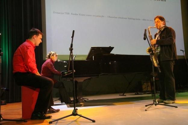 Poetrio with Goran Radovanović- Avditorij Portorož